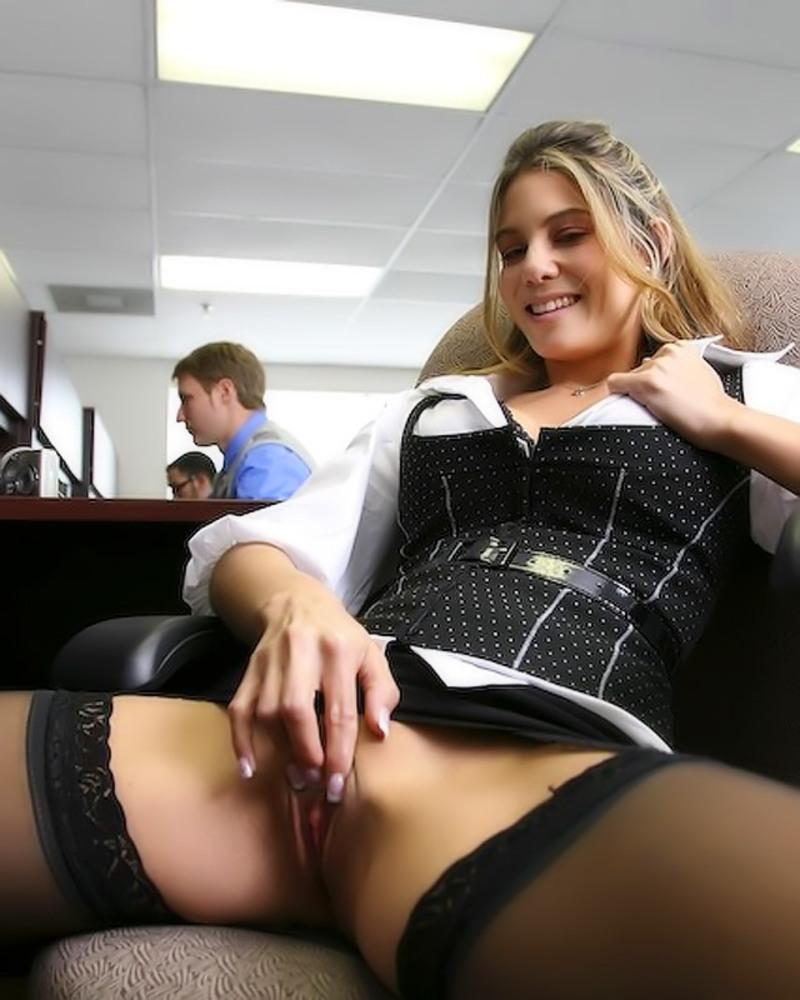 Смотреть видео мастурбация в офисе на улице