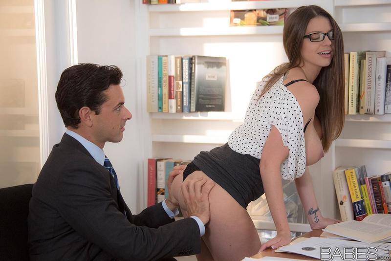 erotika-boss-i-sekretarsha