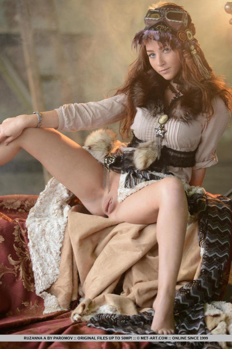 в средневековых платьях порно звезды фото лижут девчонки